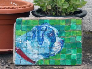 English bulldog stepping stone for the garden