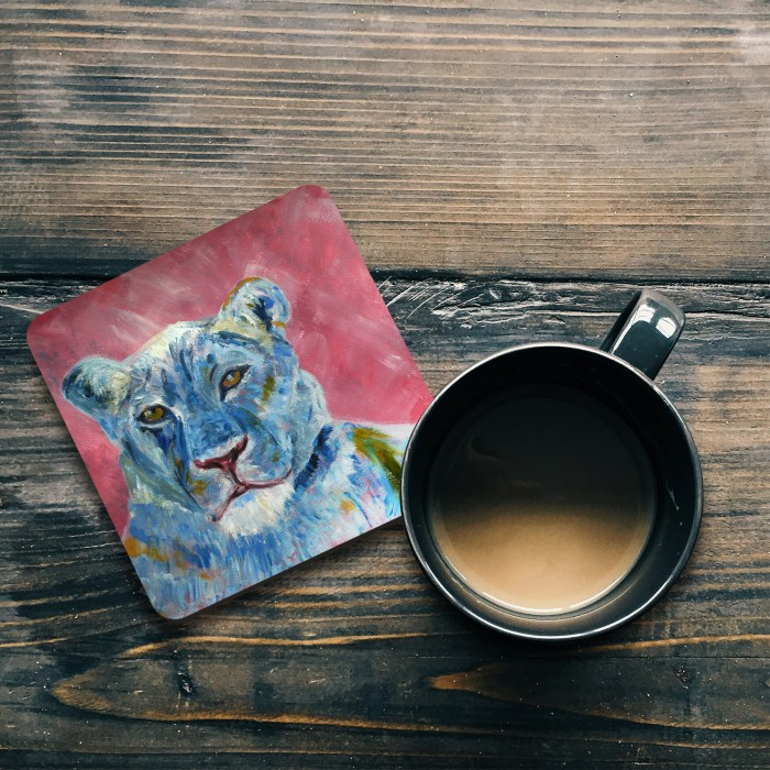 Glossy lion coaster with rounded edges