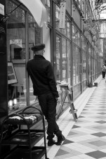 Shopkeeper, Passage du Grand Cerf