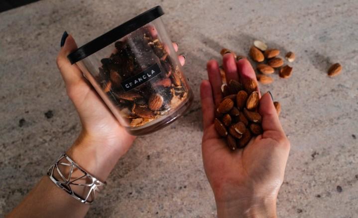 Snack & Glow: Schönheit von Innen mit Mandeln* + Granola Rezept