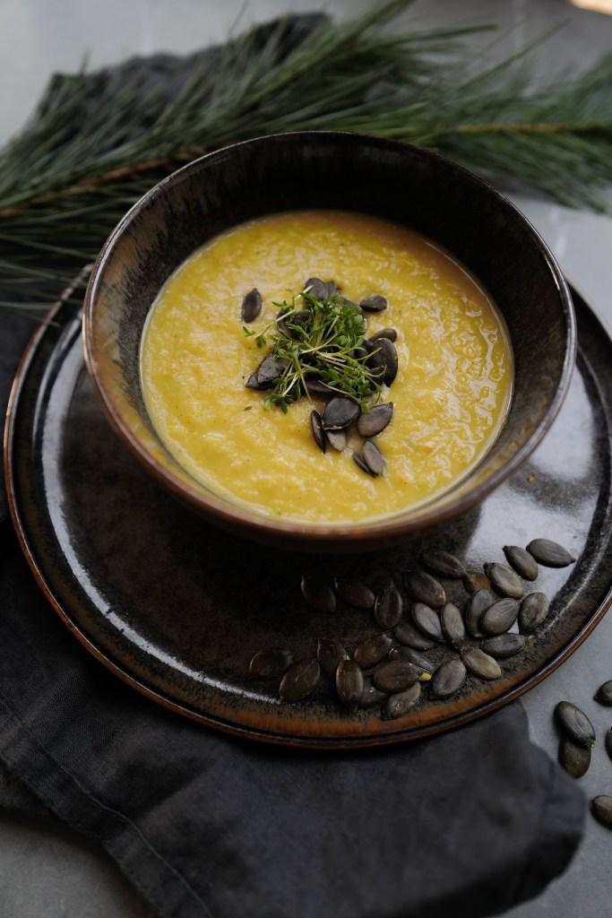 Pastinakensuppe, Pastinaken Suppe, basisch, vegan, Suppe, basische Rezepte, Wurzelgemüse, basisch kochen, Pastinake
