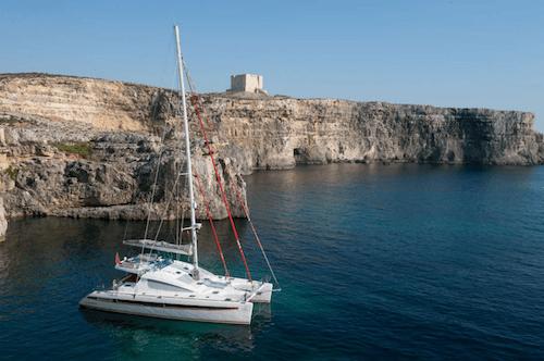 62ft sailing yacht BELLA PRINCIPESSA at cliffs sleeps 6