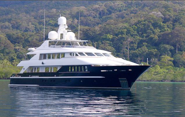 Main shot of 129ft Rodriquez motor yacht Lady Azul cruising