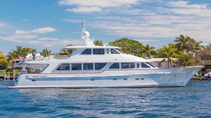 Main shot of 92ft Rayburn motor yacht ANNDRIANNA