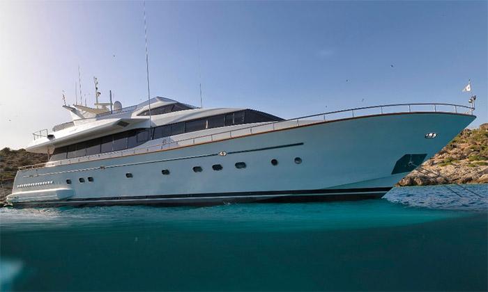 Main shot of 77ft Falcon Motor Yacht MARTINA.jpg