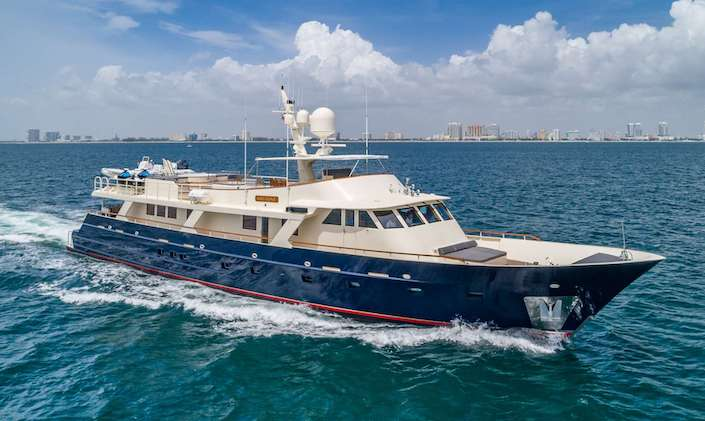Main shot of Ariadne 124ft Breaux BayCraft motor yacht at sea.jpg