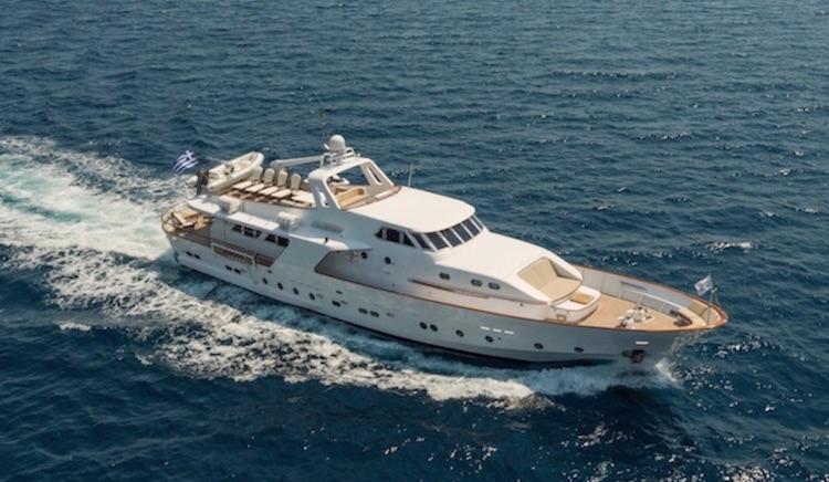 94ft CRN motor yacht OCEANE II at sea