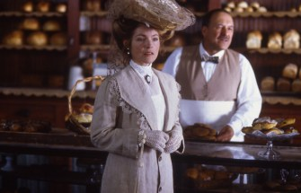 12_Amy Irving as Mrs. Foster