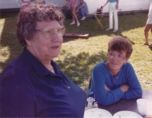 Grandma L with aunt carol