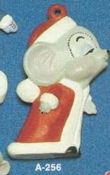 Alberta Ornaments 0256 kissing Mrs Santa mouse