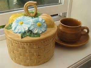 Duncan 0116A canister set fruit & daisy lid