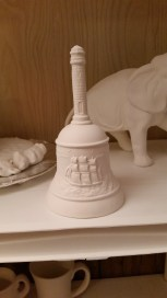 Hershey 0088 BELL WITH EMBOSSED CLIPPER SHIP