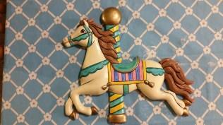 clay-magic-carousel-horse-plaque-for-bathroom-1