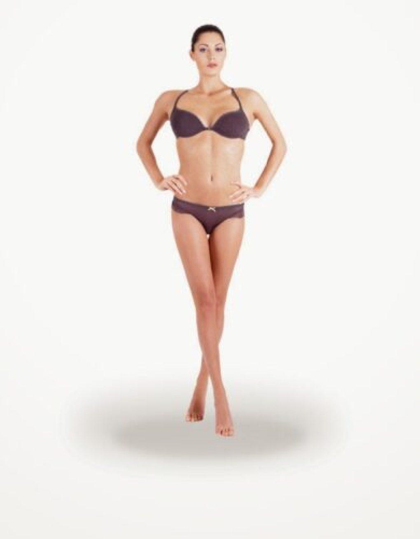 Corpo triângulo invertido lingerie