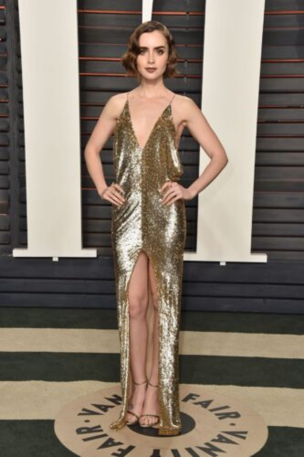 Lily Collins Oscar 2016