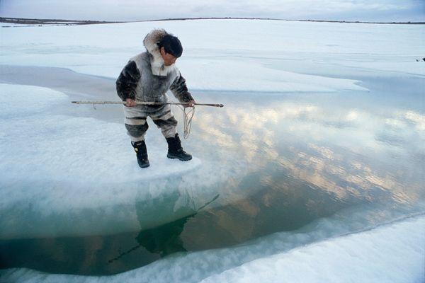 freshwater-inuit-hunter_50381_600x450