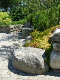 Natural Rock Garden Seating | CAROLYN'S SHADE GARDENS