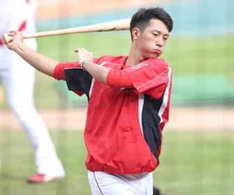 代打だと打つのに…西川、三塁の定位置奪取へ!テーマは「無」