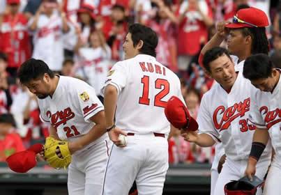 九里が『先発不足』を救う快投で、今季初勝利「続けていけるように」