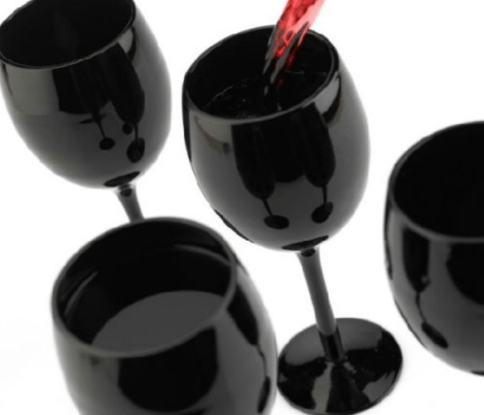 Gift Guide for Wine Lovers - Black Wine Glasses