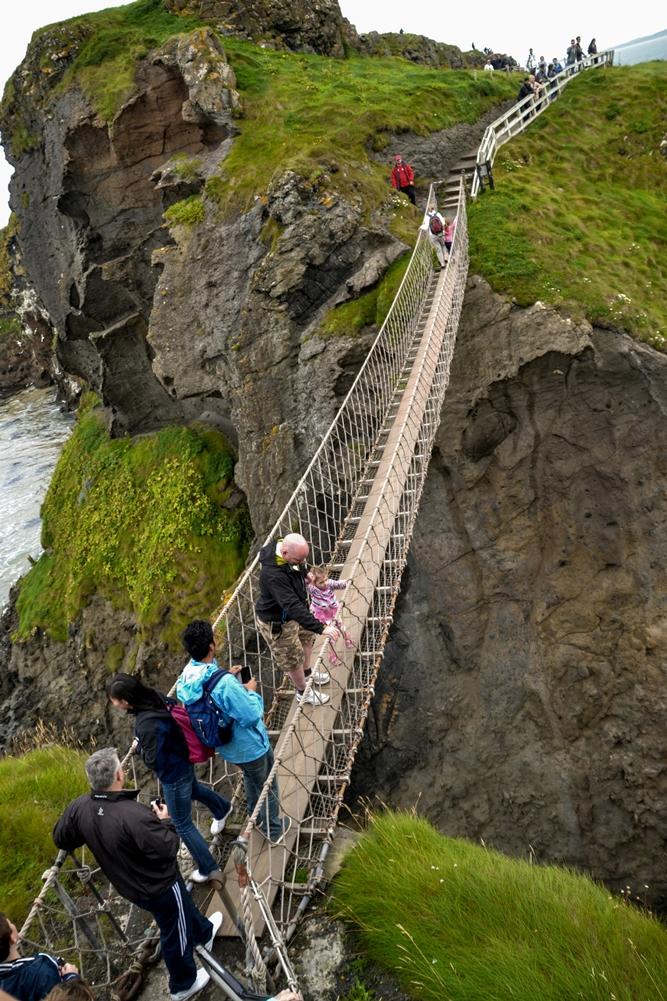 Carrick a rede rope bridge