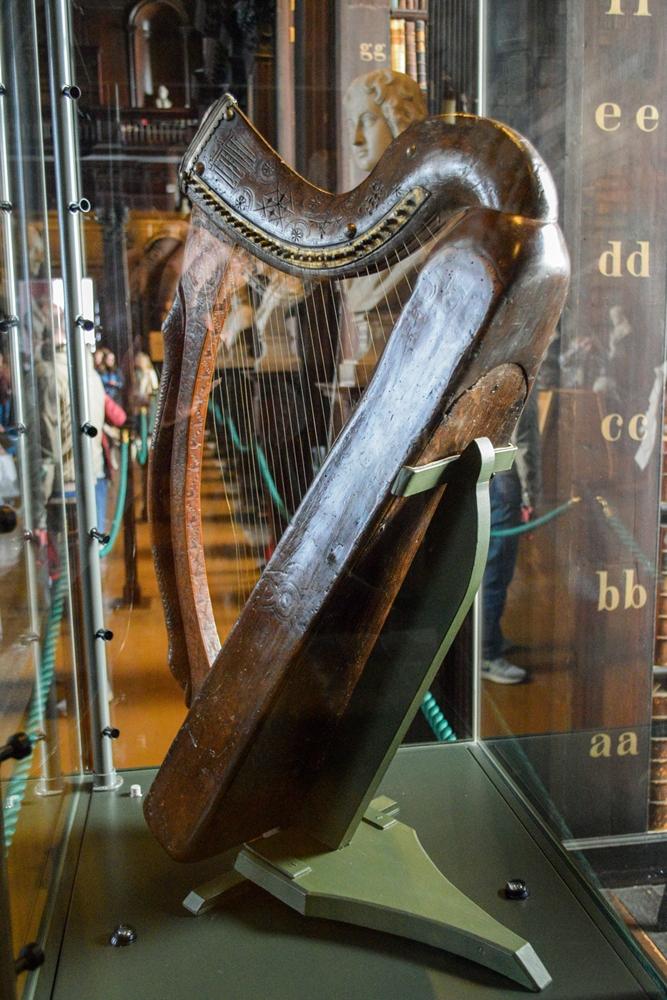 Brian Boru Harp