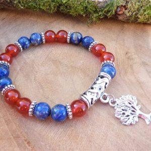 bracelet lapis lazuli et cornaline breloque arbre de vie pour femme courage confiance communication protection rouge bleu chakra sacré gorge