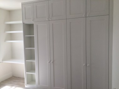 Bespoke Fitted Wardrobe with Shelving