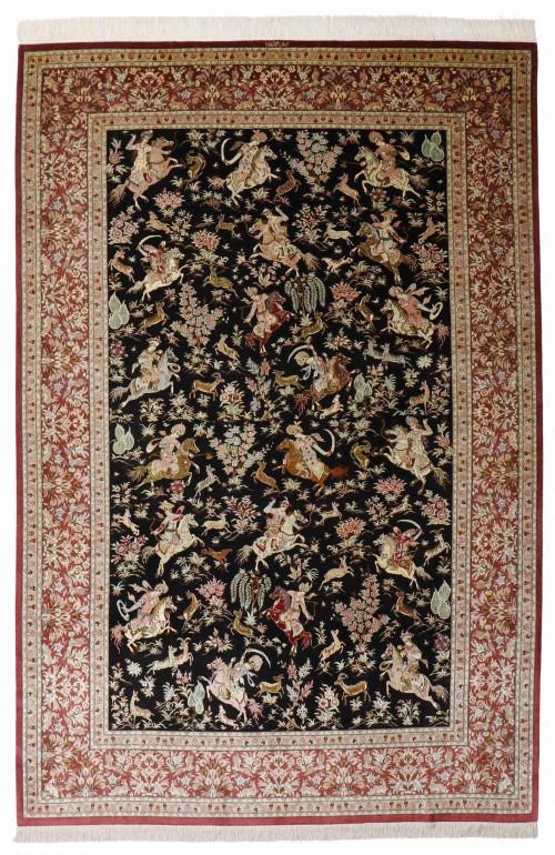 tapis soie ghoum soie iran decor scene de chasse persanne fond noir 305 195