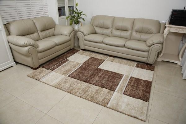 שטיח אומגה דגם קוביות סמטיריות בג
