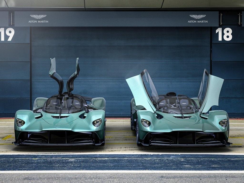 2022 Aston Martin Valkyrie Spider