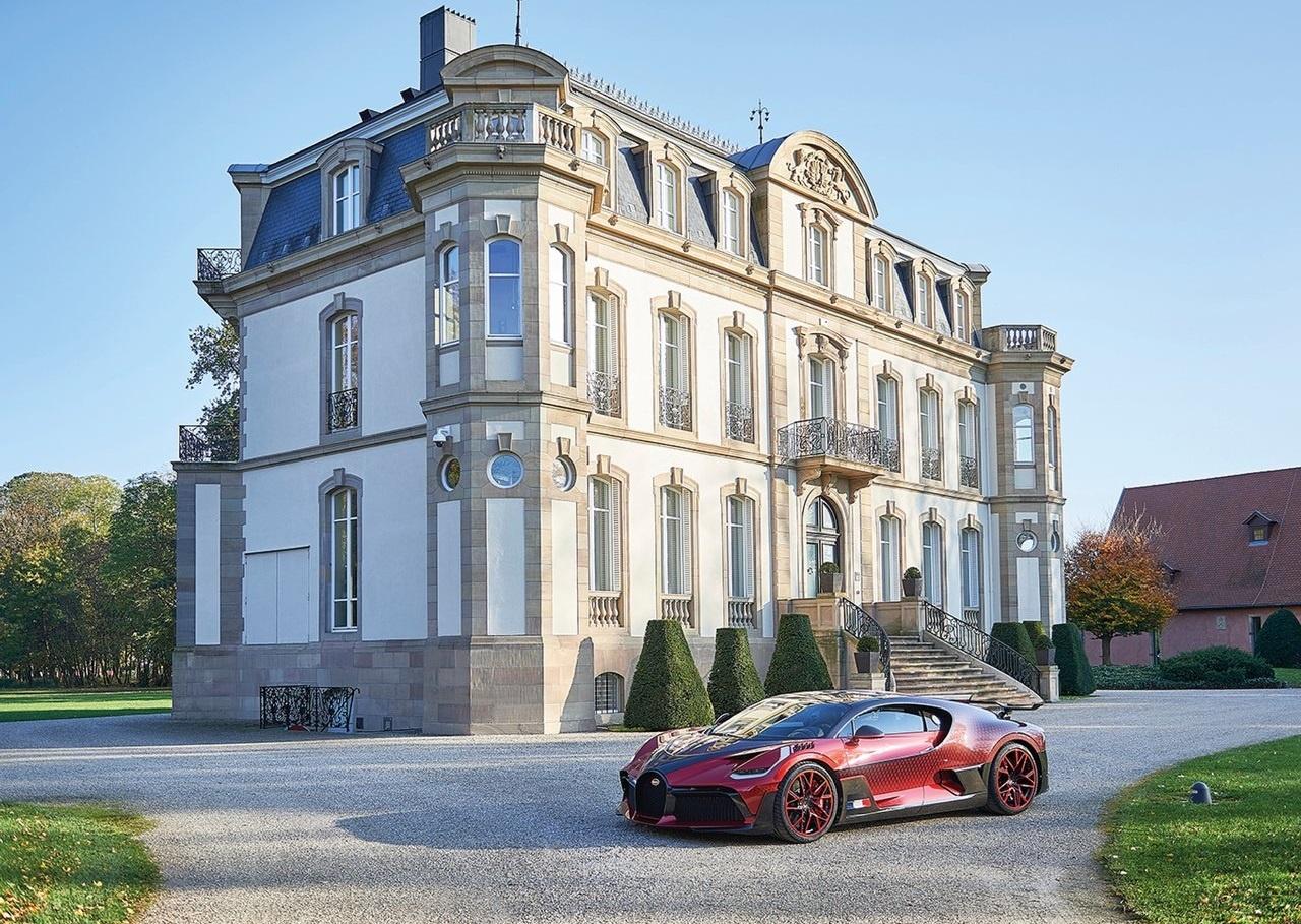 2020 Bugatti Divo Lady Bug