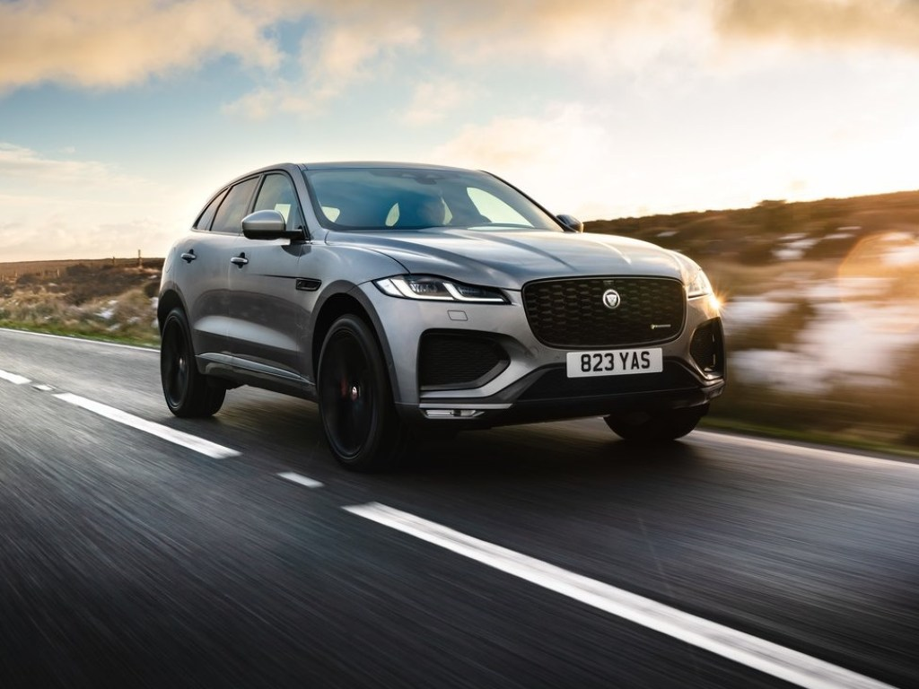 2022 Jaguar F-Pace SVR