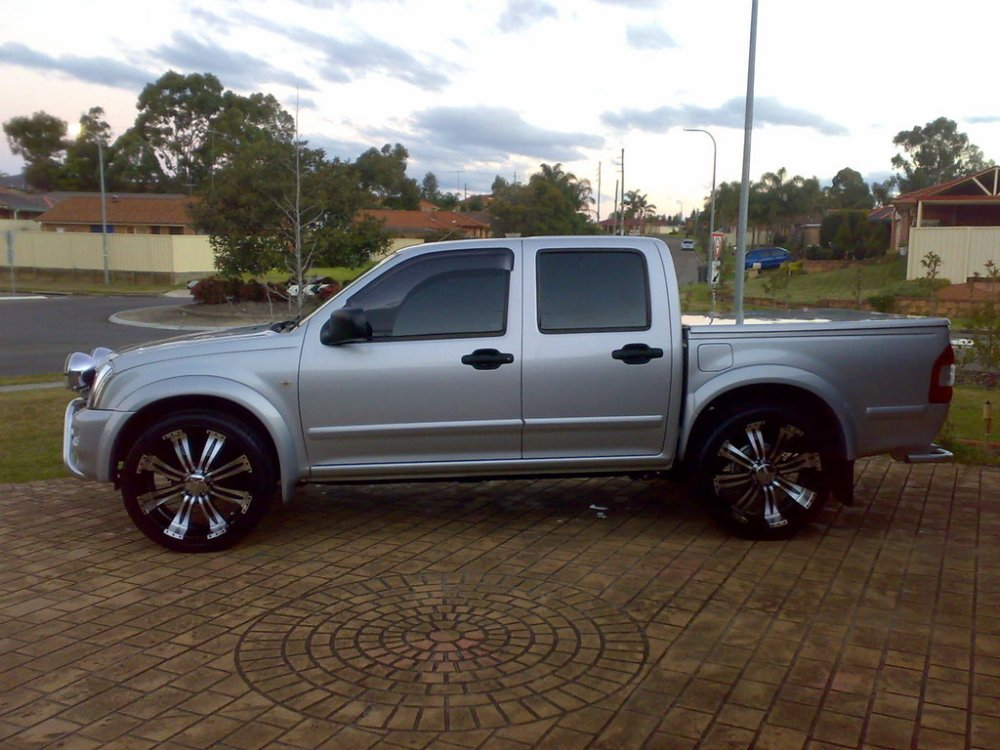 medium resolution of  dreamte 2005 holden rodeo 30974500001 large