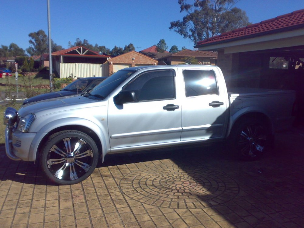 medium resolution of  dreamte 2005 holden rodeo 30974500002 large