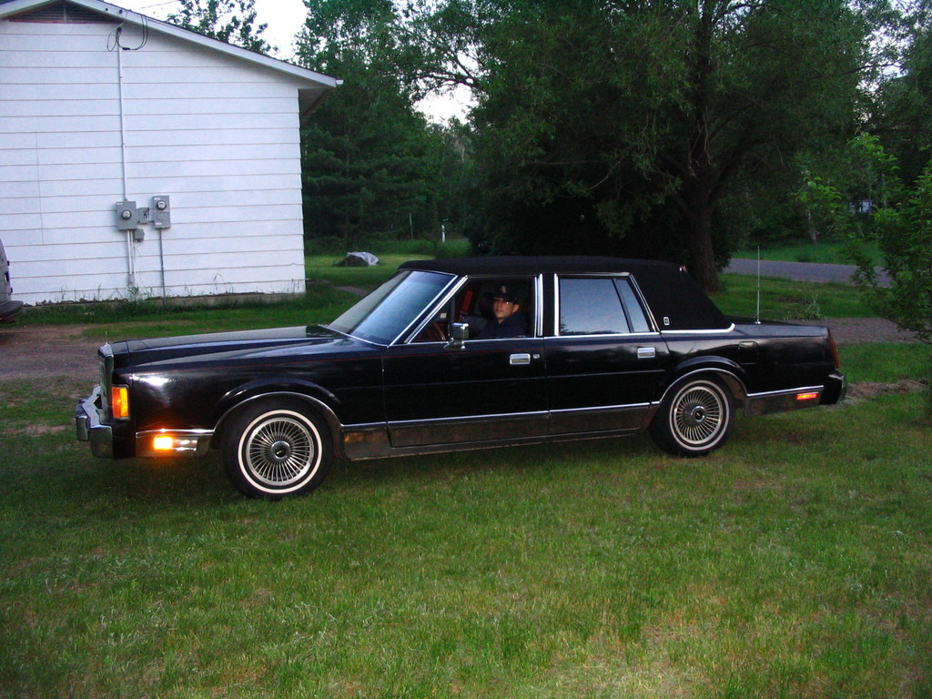 hight resolution of chicitylincoln 1989 lincoln town car 31376040001 large chicitylincoln 1989 lincoln town car 31376040002 large