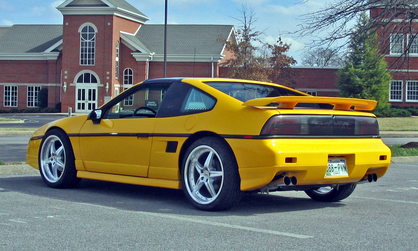hight resolution of sjmaye 1988 pontiac fiero
