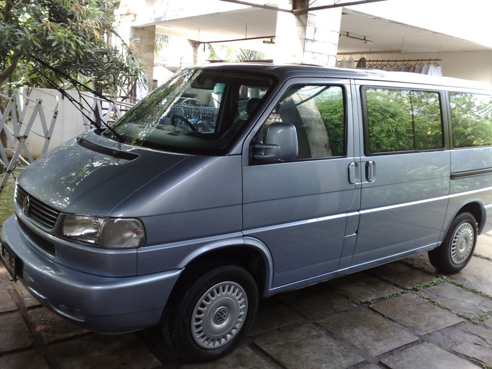 medium resolution of  ivan oke bgt 1999 volkswagen eurovan 33816050002 large