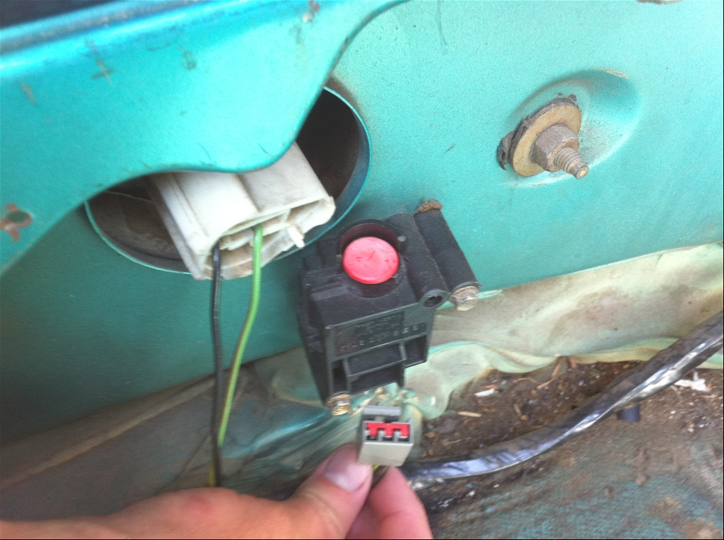 Where Is The Fuel Pump Shut Off Switch Located On 2004 Lariat Ford