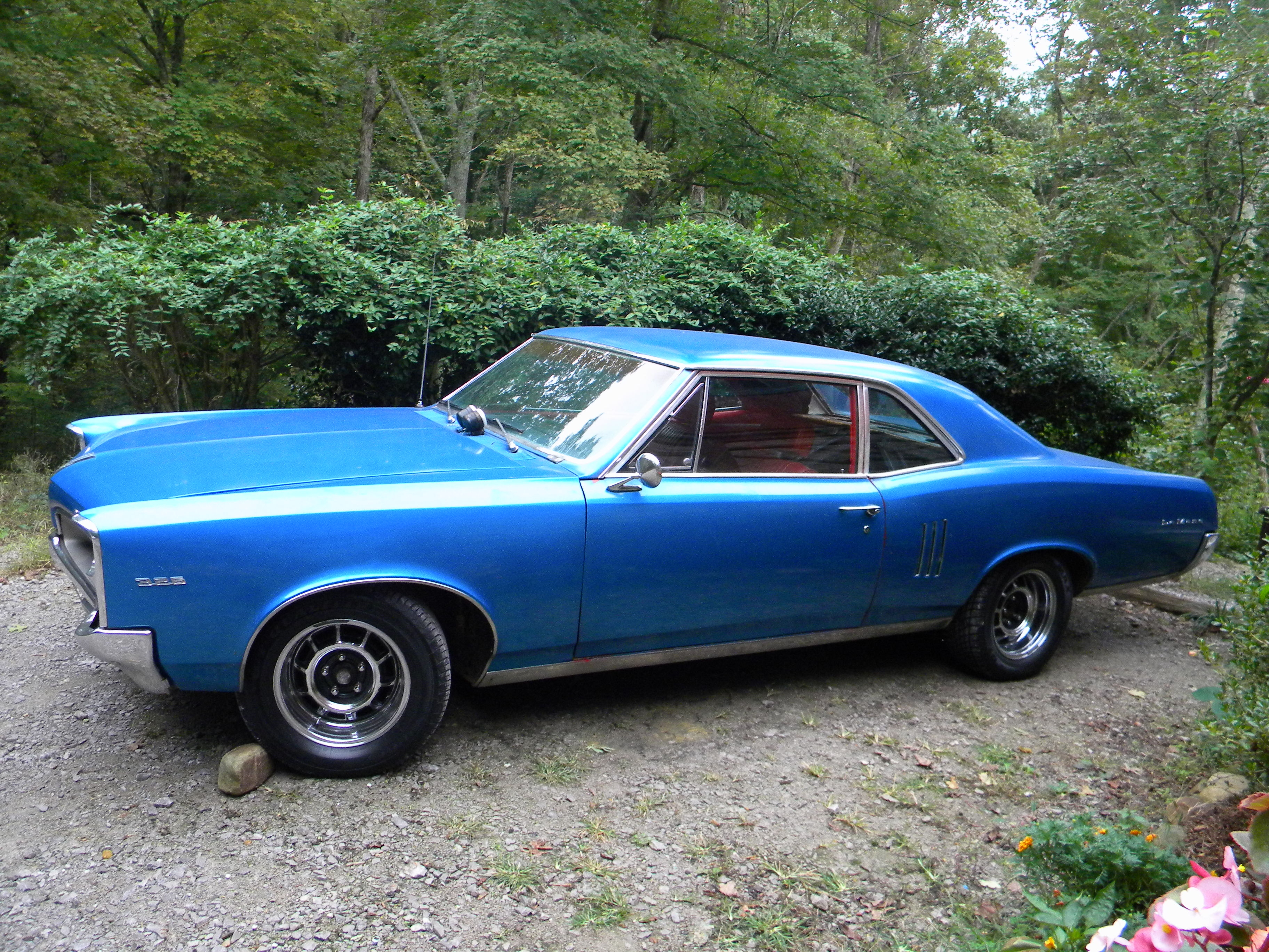 medium resolution of wiring besides vacuum line diagrams for 1969 pontiac gto as well 1969