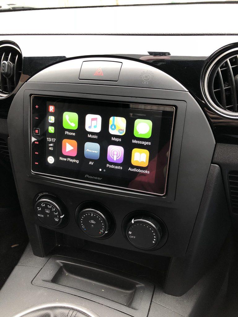CarPlay Installs: Pioneer SPH-DA120 in a Mazda MX5 – CarPlay