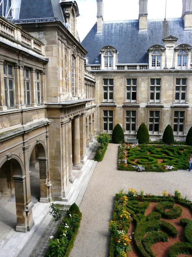 Musée Carnavalet, Le Marais, Paris, Interior Court Yard