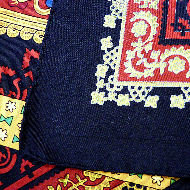 Brins d'Or Julia Abadie Signature on reverside of scarf