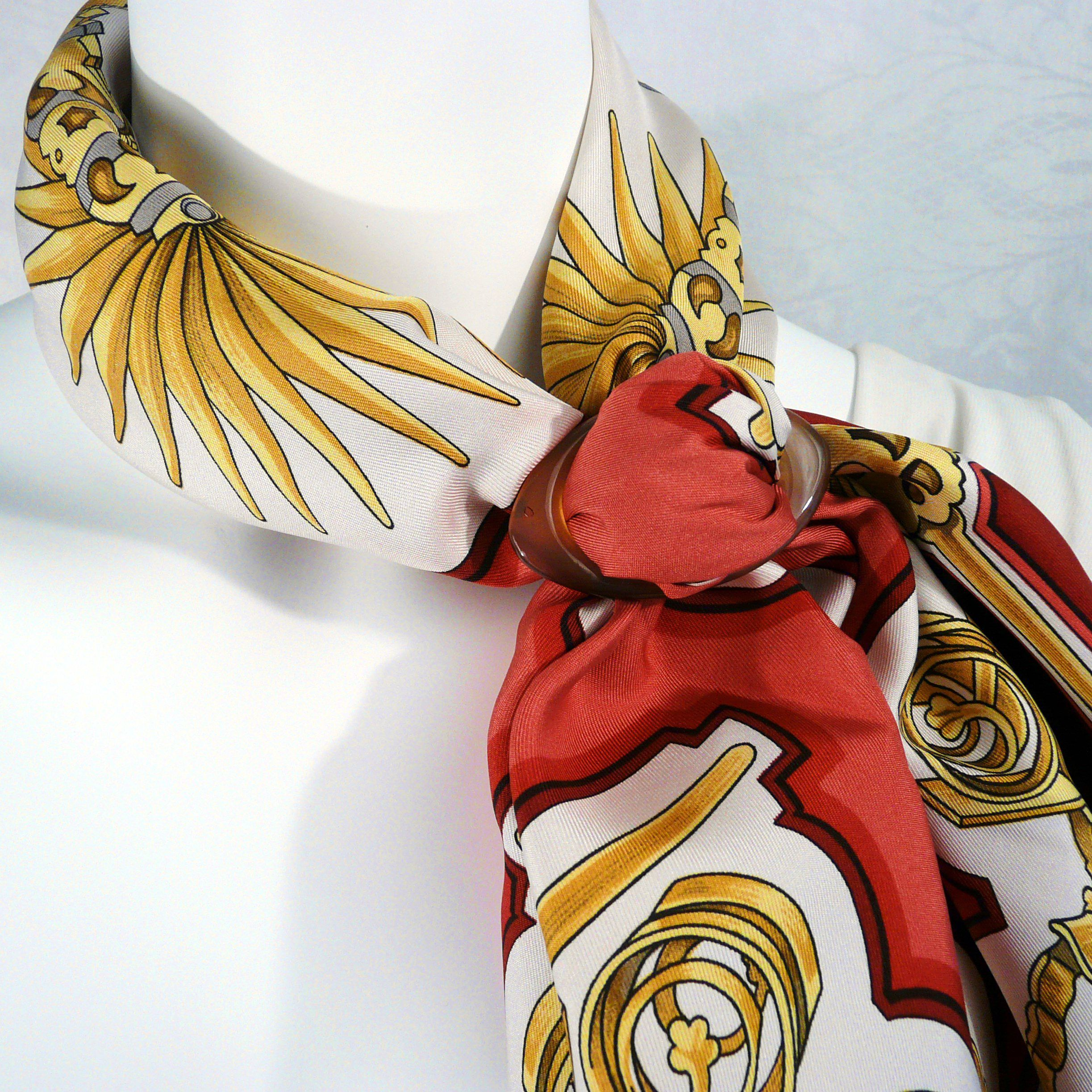 Eperon d'Or HERMES with Anneau Sur II Horn Scarf Ring Carre de Paris