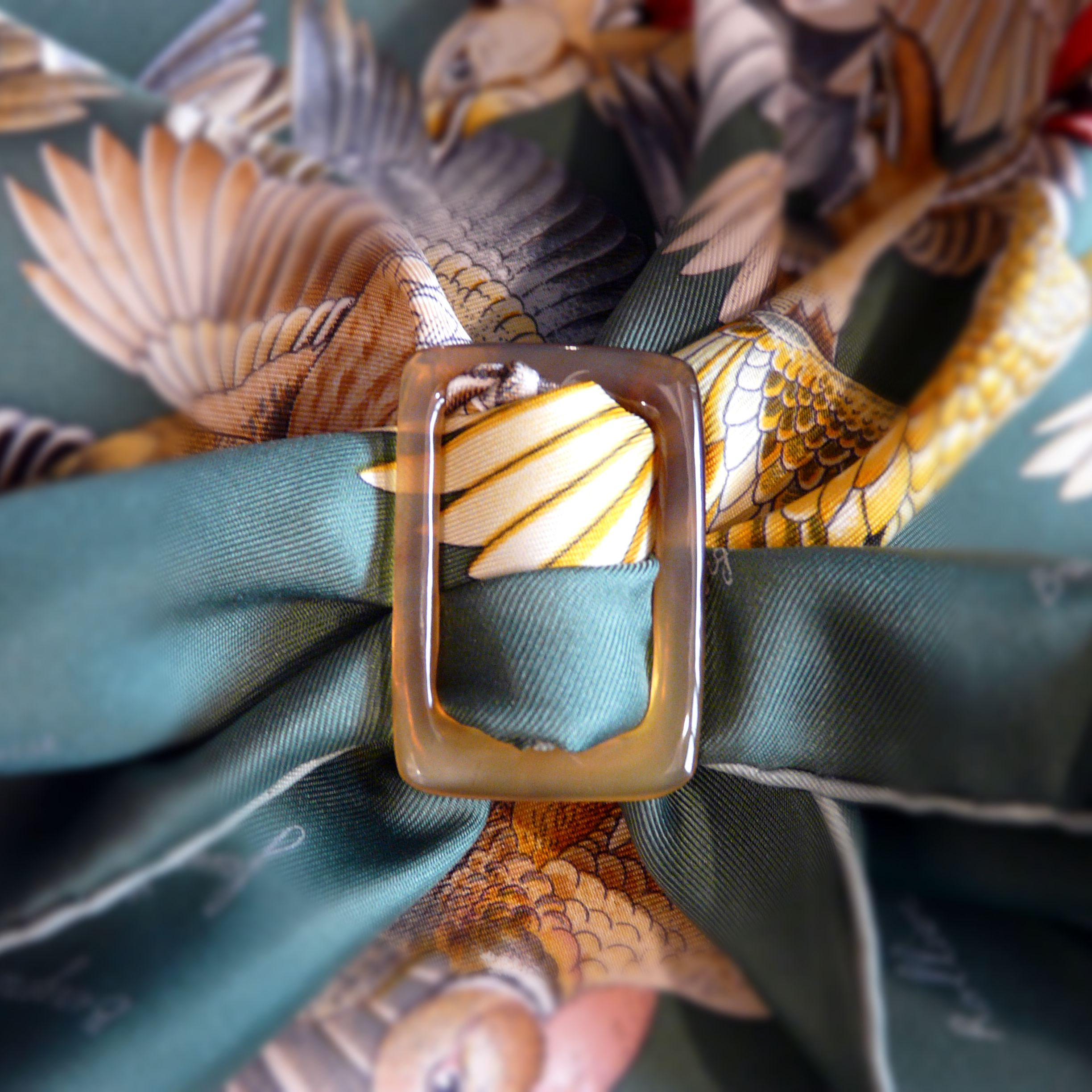 Anneau Ceinture Horn Scarf Ring with HERMES L'Intrus Carre