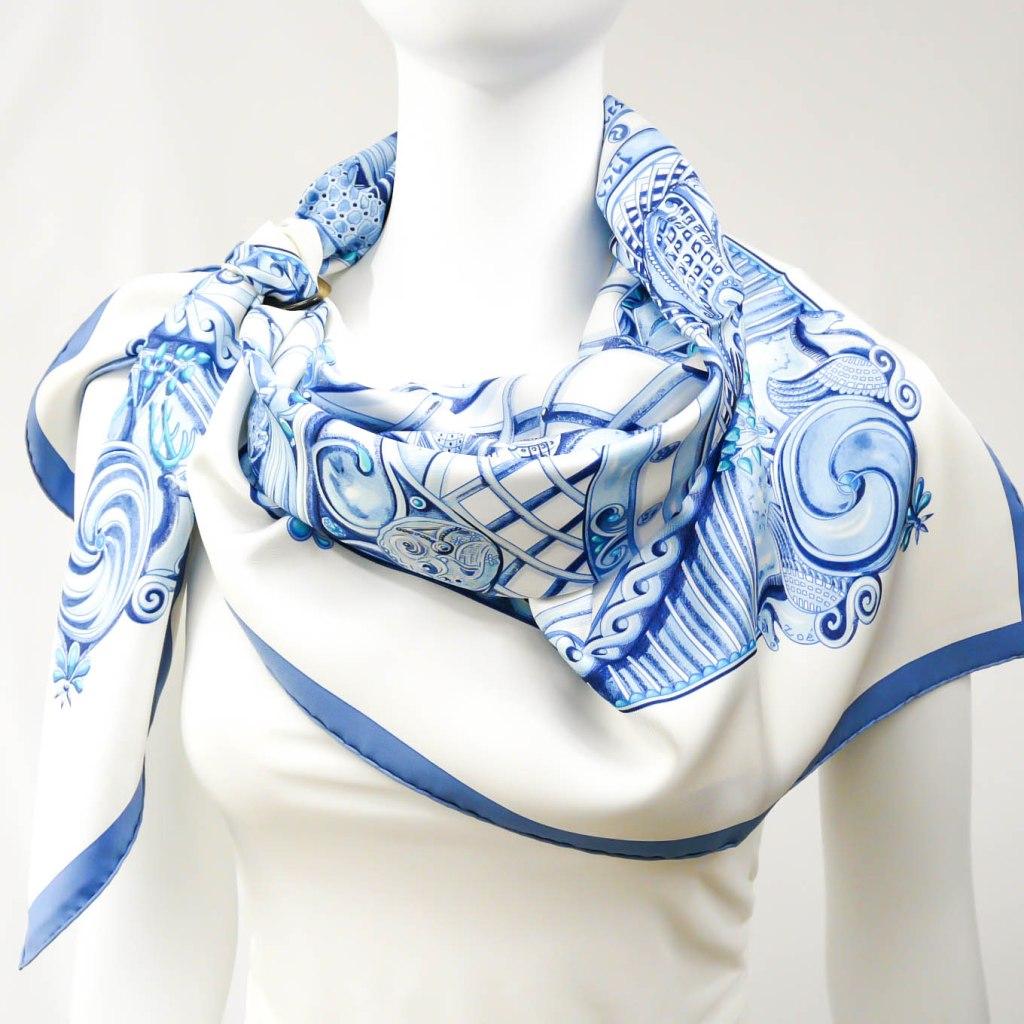 Monnaies et Symboles des Parisii HERMES scarf Zoe Pauwels