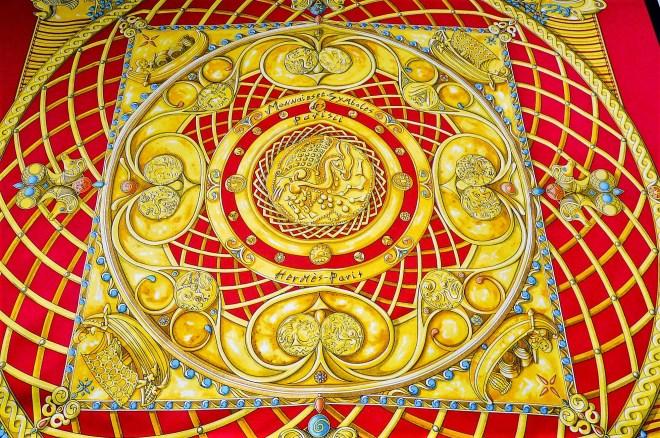Monnaies et Symboles des Parisii HERMES Silk Scarf-10