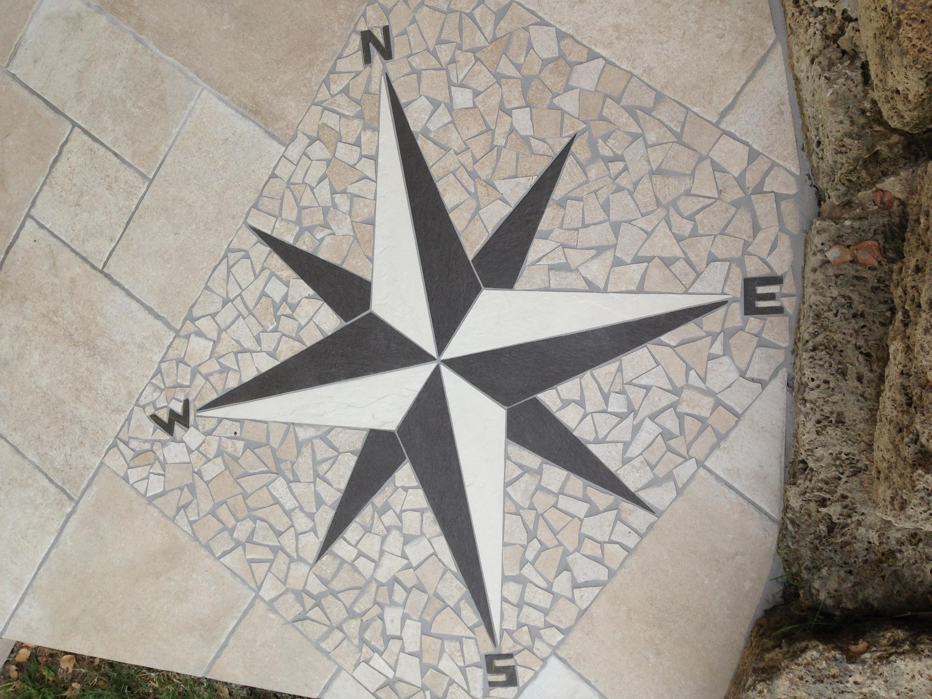 Fresque d corative en carrelage carrelage feugier for Rosace carrelage exterieur