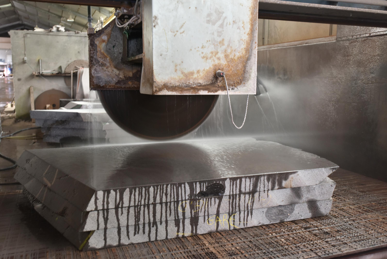 Carrelage Versace Cagnes Sur Mer plans de travail et tables en pierre de lave émaillée
