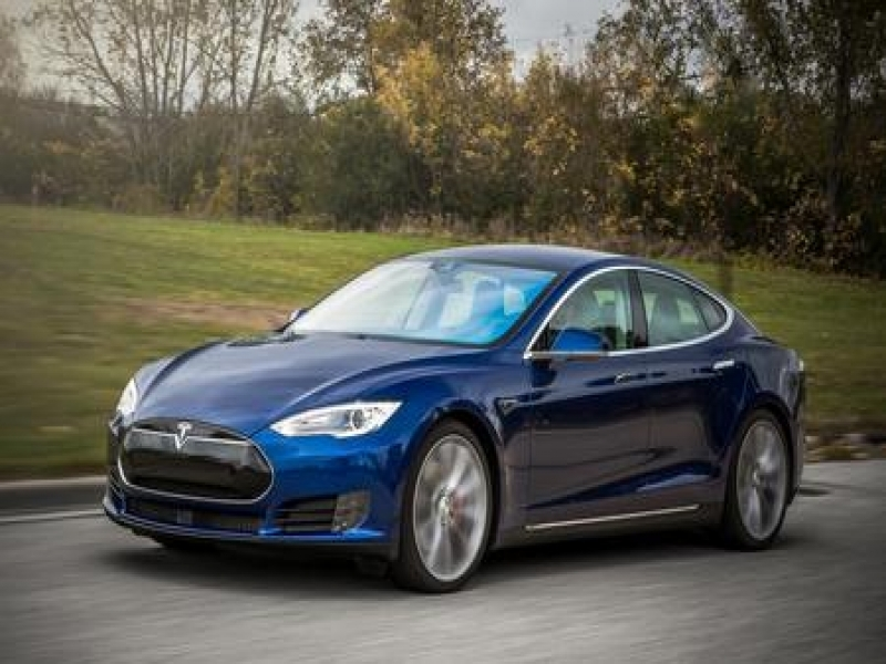 2016 Tesla Model S P90d 2015 Tesla Model S P90d Test Review Car And Driver